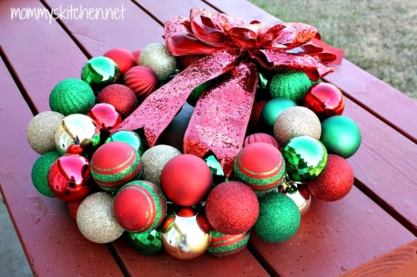 Mommys kitchen recipes from my texas kitchen diy christmas mommys kitchen recipes from my texas kitchen diy christmas ornament wreath holiday decorating solutioingenieria Choice Image