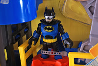 Imaginext DC Super Friends Batman Streets of Gotham's Gotham City Tower