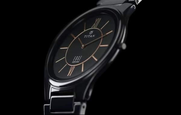 Jam tangan keramik merk Titan
