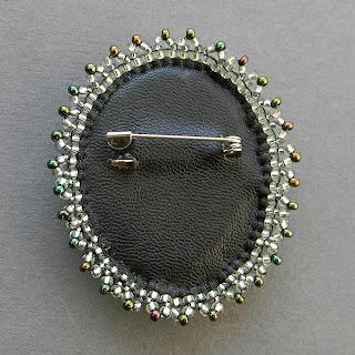 купить необычную брошь с камнем куплю брошь с яшмой  в интернет-магазине россия
