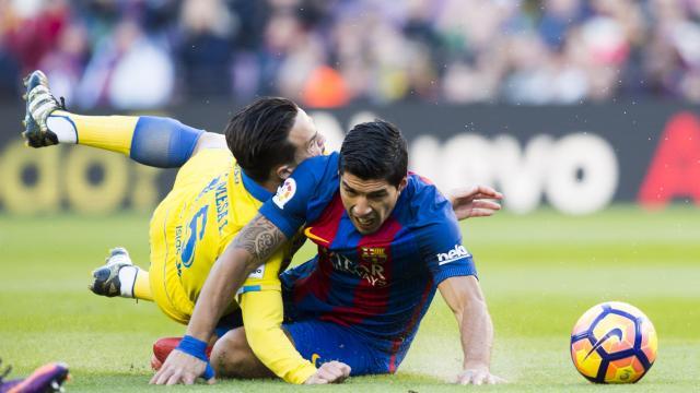 Roque hizo placaje para parar a Suárez