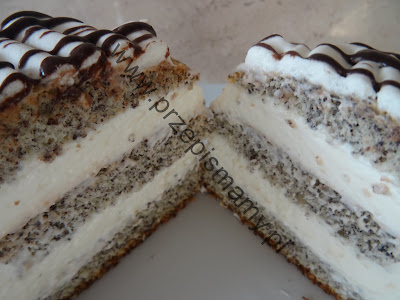 Ciasto makowe z bitą śmietaną