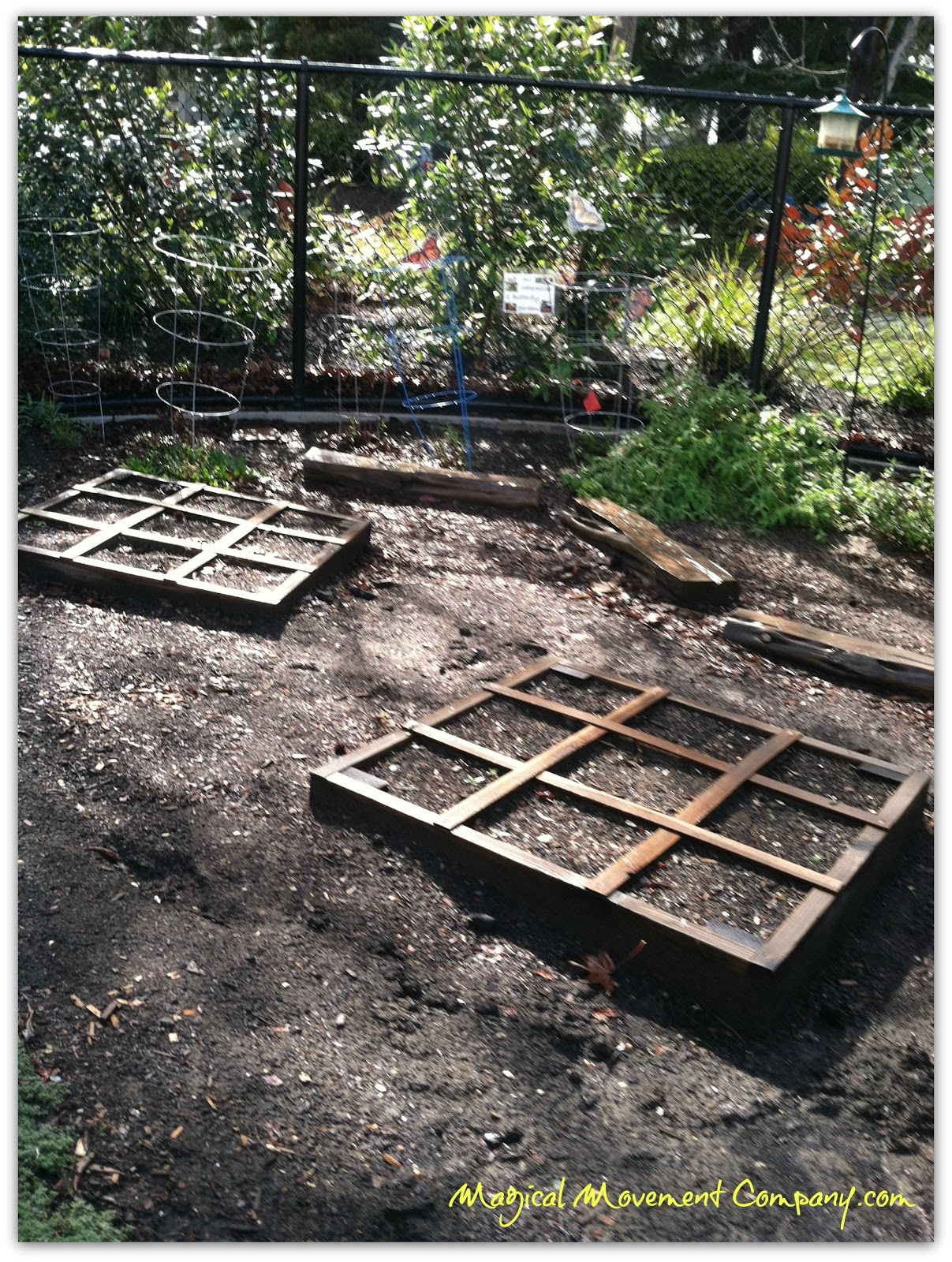 Outdoorsy montessori how to design a square foot garden for Four foot garden blueprint
