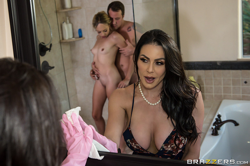 Moms In Control – Kendra Lust And Zoe Clark Lets All Shower Together