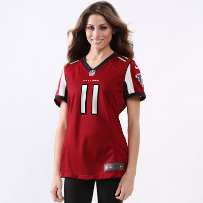 Christmas Gift Guide for Fabulous Female Falcons Fans
