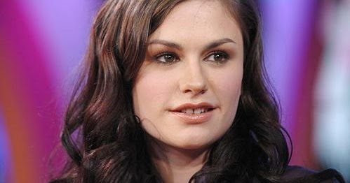 Anna Paquin Hot Bikini Image Gallery, Images, Photos, Pics ...