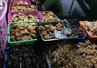 Kuliner Indonesia - Nasi Kucing Pak Gik