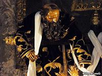Resultado de imagen para Después de esto, José de Arimatea, que era discípulo de Jesús, aunque en secreto por miedo a los judíos,