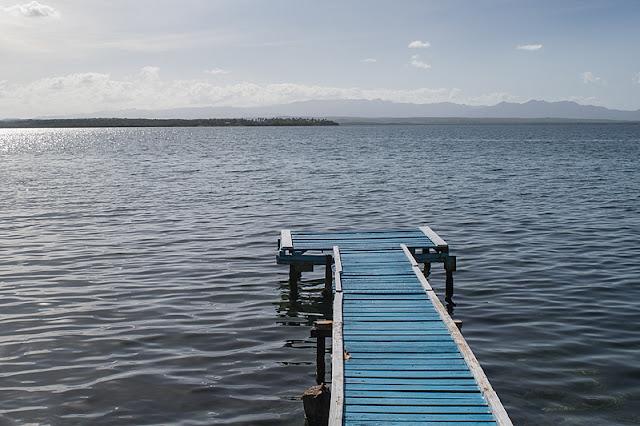 Un quai dans la baie de Cienfuegos