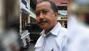 Kaur Bin Ops Sat Reskrim Polres Lumajang Iptu Hariyanto, SH,. MH. (cho)