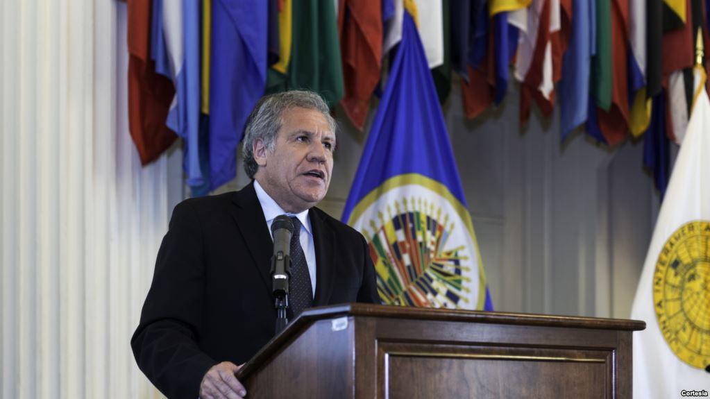 Almagro se convirtió en un duro crítico político al régimen de Nicolás Maduro