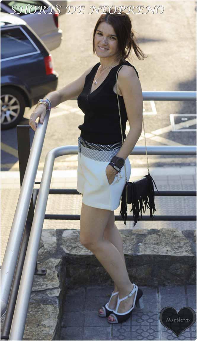 shorts de neopreno blancos y negros combinados con negros y blancos