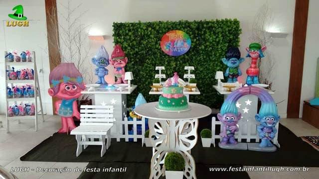 Decoração tema Trolls para festa de aniversário infantil