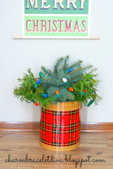 DIY vintage-inspired hanging poster wall art we wish you a Merry Christmas Skotch cooler