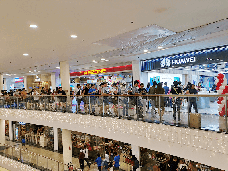 Huawei Mate 20 series now available in the Philippines, drew long queues at the 1st day of sale!
