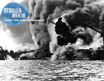 Pearl Harbour di Bom 7 desember 1941