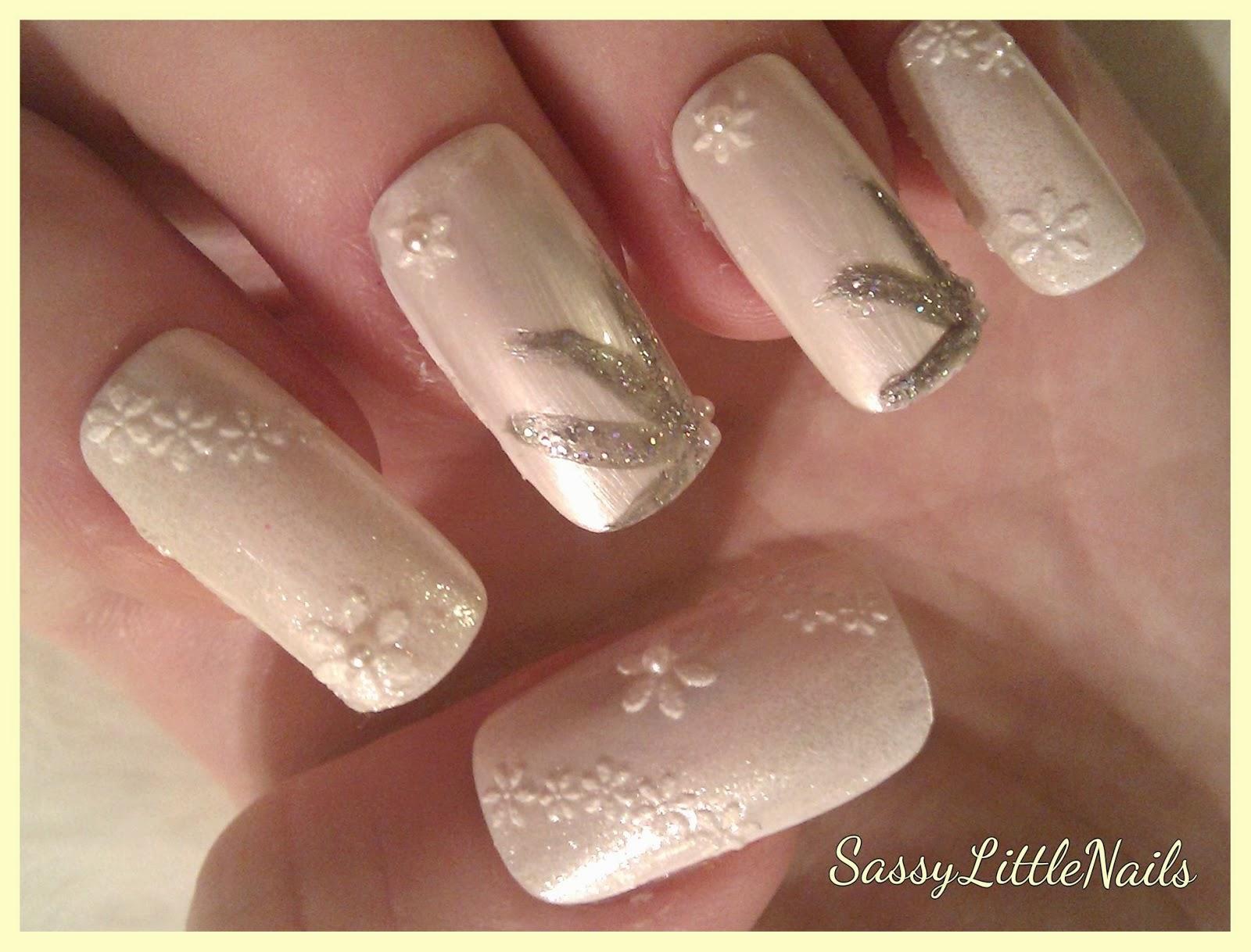 SassyLittleNails: Sparkly Nails review Nail art.