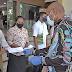 Pemkot Salurkan Bantuan Kepada 1860 Guru Honor, Tenaga Admin dan 111 Mahasiswa Port Numbay