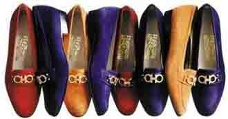55b8d022753b2 Decepcionado com a qualidade e o acabamento dos sapatos produzidos em série  nas grandes fábricas de Boston