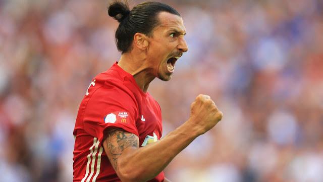 Zlatan Ibrahimovic akisherehekea bao kwenye moja wapo ya mechi za ligi kuu Uingereza msimu uliopita, akivalia pamba na Manchester United. Picha/Getty Images