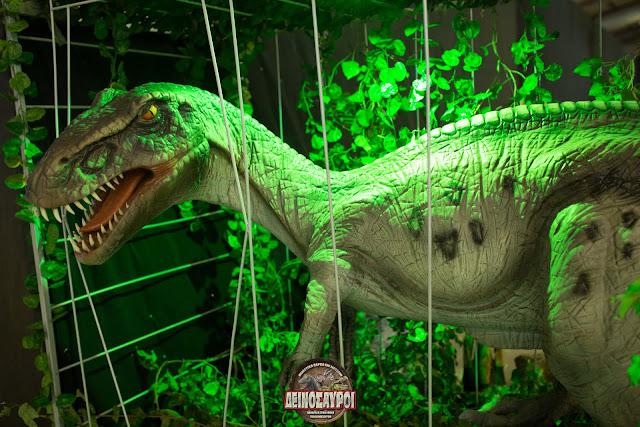Γιγάντιοι «Δεινόσαυροι» ήρθαν στην Αθηνα