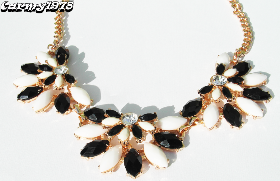 black-and-white-necklace