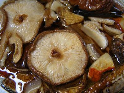 Los Alimentos Marrones Algas y Setas