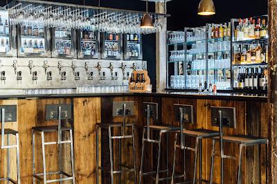 Onde tomar boas cervejas em Paris, Outland Bar