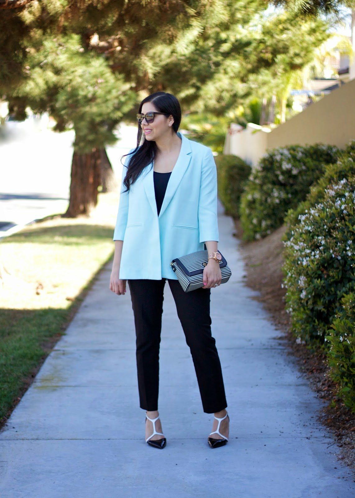 Business Chic, Pastel Blue Blazer, Pastel Business, Chic Business Attire, what to wear to a stylish interview, latina fashion blogger