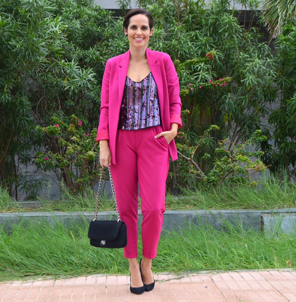 pink-suit-look-street-style