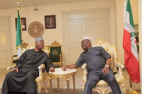 2019 Showdown: Saraki Meets Governor Wike In Rivers (Photos)