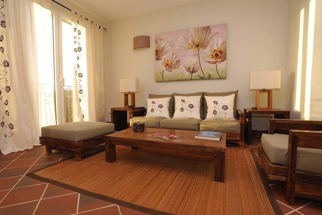 salon marron beige orange id e inspirante pour la conception de la maison. Black Bedroom Furniture Sets. Home Design Ideas