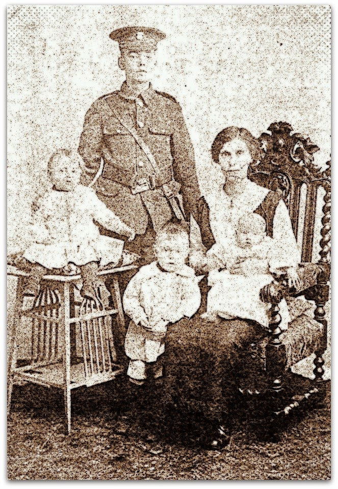 Photo of Alfred Augustus Rose and Frances nee Kenealy with their children WWI