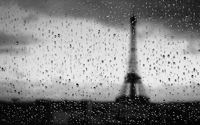Gambar Hujan di Paris Menara Eiffel Sedih Rintik Hujan Rinai Hati Galau Terbaru