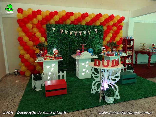 Festa aniversário Turma da Mônica - Decoração provençal com muro inglês