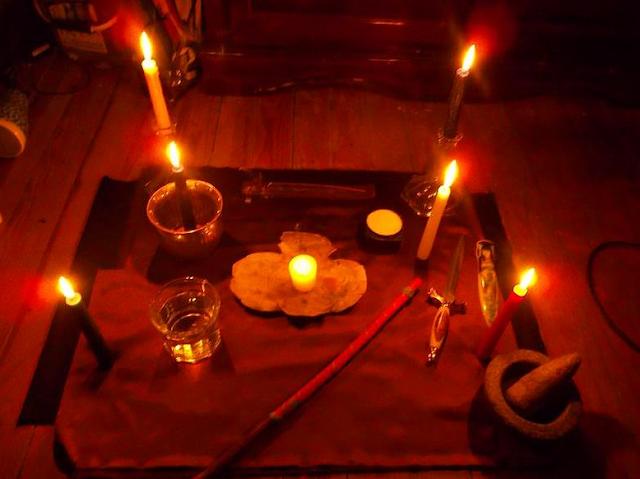 Kale Jaadu ke Lakshan or Isse Bachav v Nivaran ke Aasan Tips