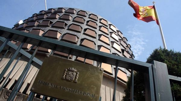 Tribunal español evalúa suspender investidura de Puigdemont