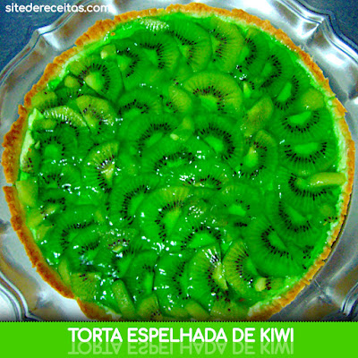 Torta espelhada de kiwi