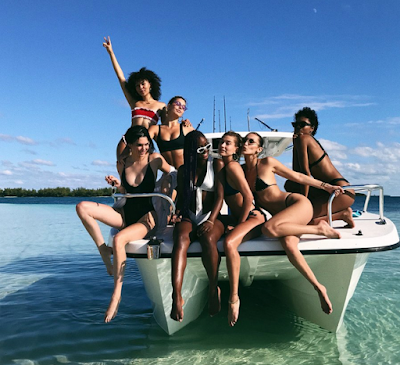 Kendall Jenner posts booty shot from Bahamas getaway