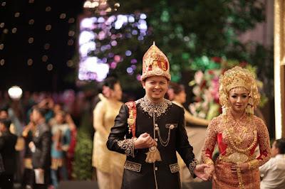 PAKAIAN ADAT INDONESIA - ACEH