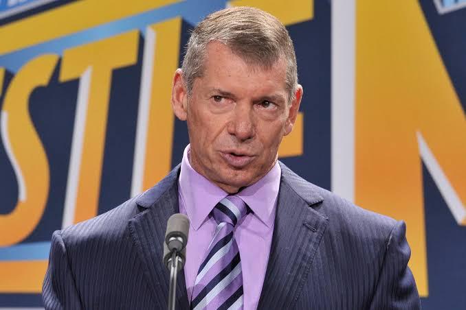 Vince McMahon não esteve presente nos bastidores do último RAW