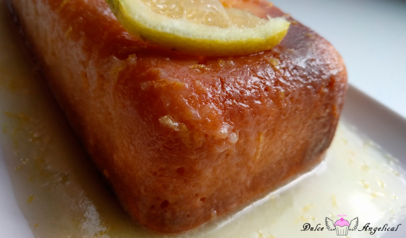 Delicioso bizcocho de limón con glaseado