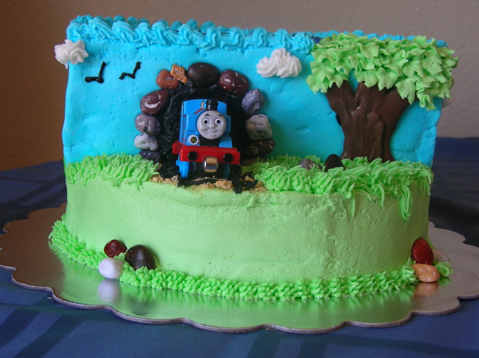How To Make A Birthday Cake For Boy Obsessed With Thomas The Train