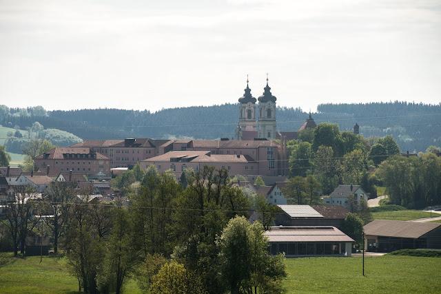 Wandertrilogie-Allgäu  Etappe 5 Ottobeuren – Bad Grönenbach  Wiesenganger-Route 04