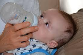 المشروبات المسموح بها للرضع,البابونج للاطفال,النعناع للاطفال الرضع,الشمر للمغص عند الرضع,العرقسوس للرضع,اليانسون والكمون للرضع.