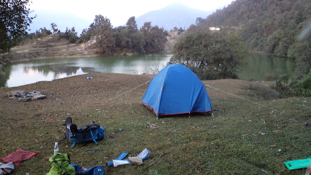 camping in deori taal uttrakhand india