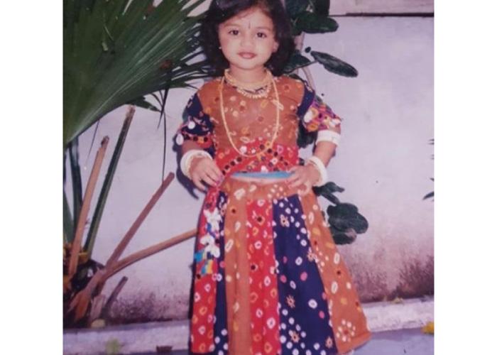 janki-bodiwala-childhood-picture