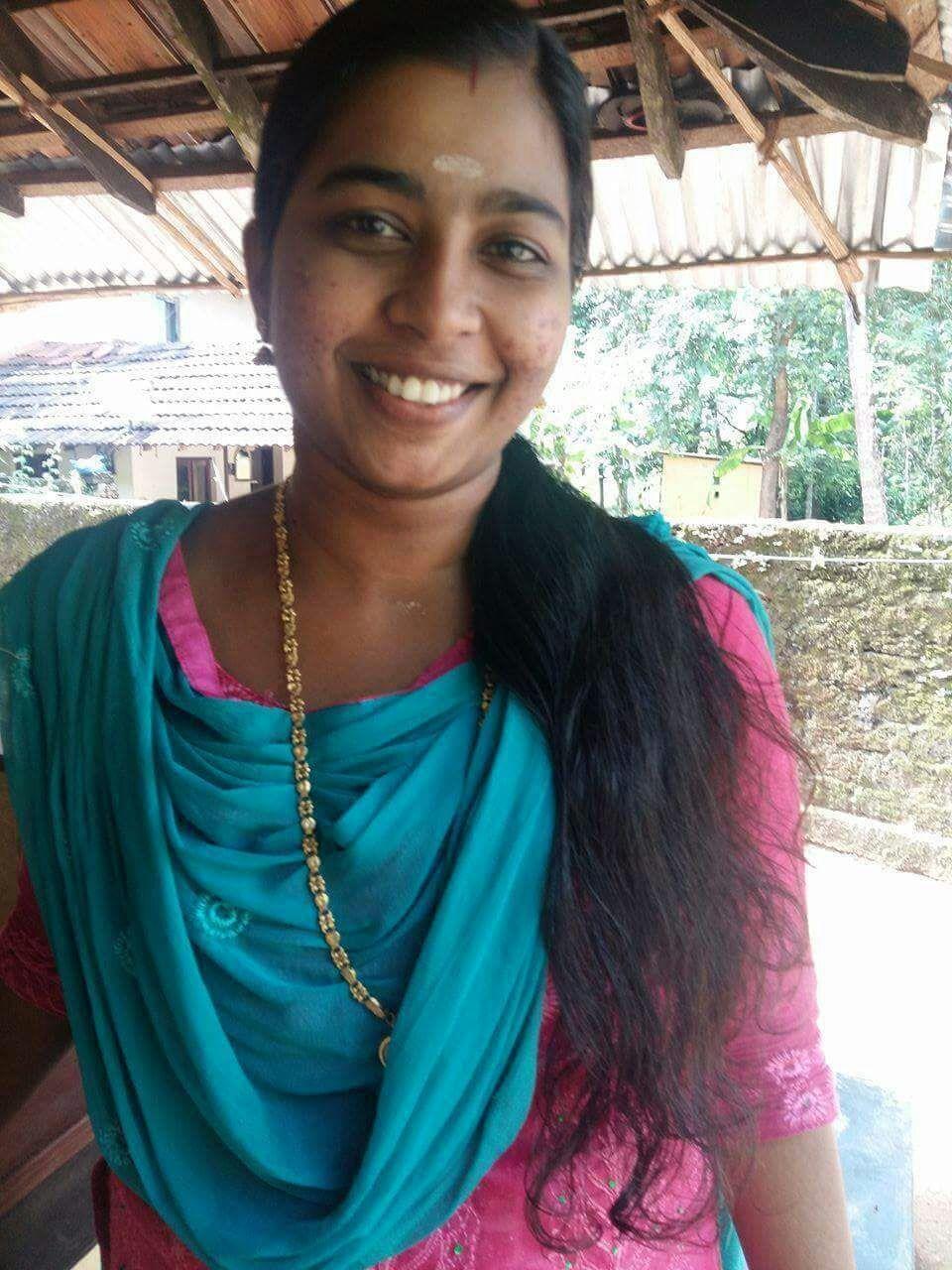 Kerala Beautiful House Wife Whatsapp Photos Leaked -2736
