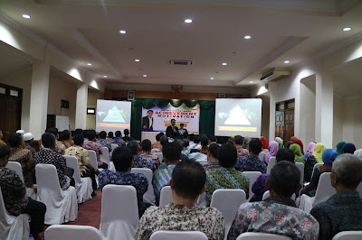 motivator terbaik indonesia, pelatihan pegawai, training motivasi Bank Indonesia, pelatihan karyawan BI, Karyawan Bank Indonesia, Motivator Bank Indonesia, Motivator NTB, Motivator Lombok
