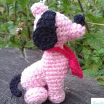 http://www.ravelry.com/patterns/library/puppy-petit-coeur